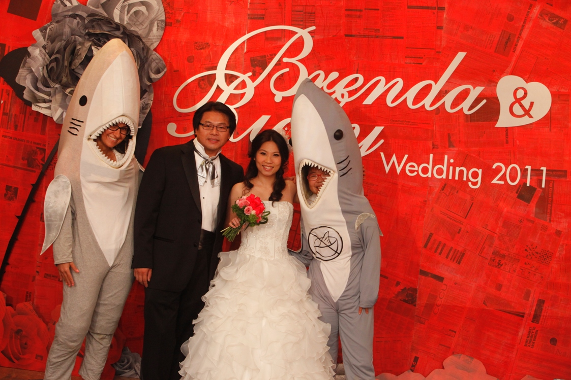 sharkfree_weddinglr